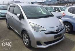 Toyota RACTIS New Shape 2012 Silver Magnificent Clean