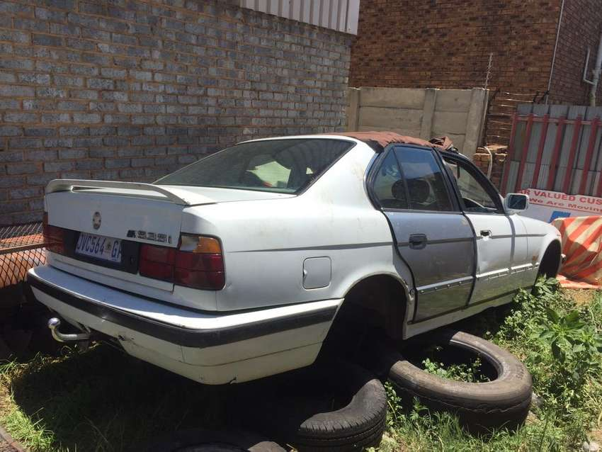Bmw 535i Stripping For Spares Car Parts Accessories 1057843510