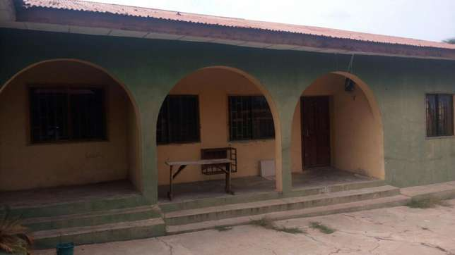 Twin flat (3 Bedroom flat each) with 2 Room and parlor self con Ilorin West - image 1