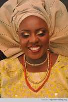 Make your ASO oke in a unique way and your bead and makeup.