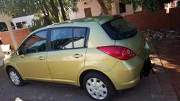 Hatch Back Nissan Tiida visia 1.6 engine excellent condition for sale