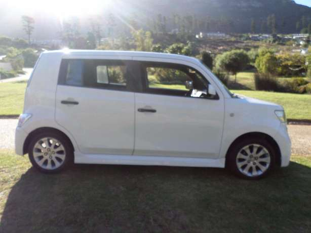 Daihatsu Materia 1.5 low Kms excellent condition Hout Bay - image 1