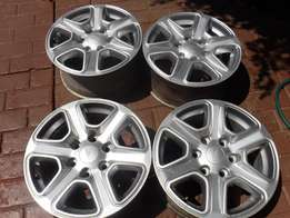 4x 17 inch Ford Ranger mags in good condition!!