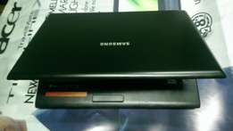 Samsung laptop for R2000 (good condition)