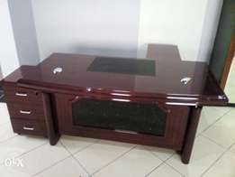 Office table (233)