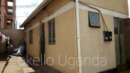 Bweyogerere town house for rent at 200k