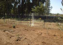 Electric free stand fencing