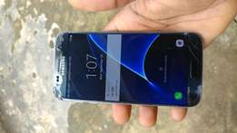 Samsung s7 cracked screen (100% functional)