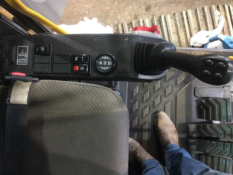 Volvo Ec140 D - 2014 - image 24