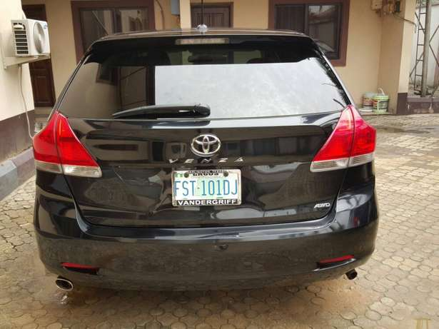 Sharp and clean Toyota venza no issues Port Harcourt - image 3