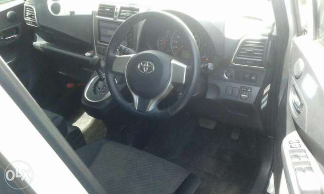 Toyota ractis kcp new shape Nairobi West - image 3