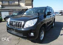 Landcruiser prado 2013 model black colour excellent conditon
