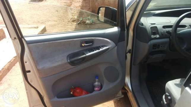Tokunbo Toyota previa for sell Osogbo - image 3