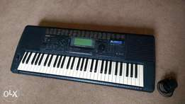 UK used Yamaha PSR 520 Clean