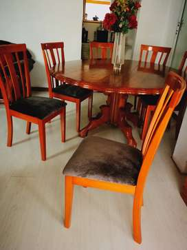 Round Table Dining Room Suit