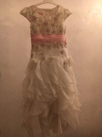 Плаття на випускний в садочок)  1 000 грн. - Одяг для дівчаток Рівне ... a9aec9e2f5481