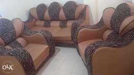 Almost New 5 SEATER SOFA SET (8 Months Old)