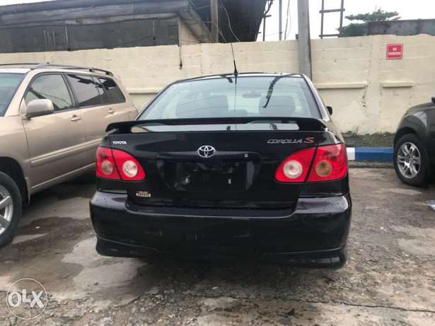 Clean Tokunbo 2007 Toyota Corolla Sport Edition Lagos Mainland - image 3