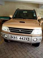Mistubishi pajero I0 for sale 2005 model very clean at 560k