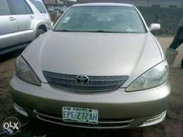 Neatly used Toyota Camry 02