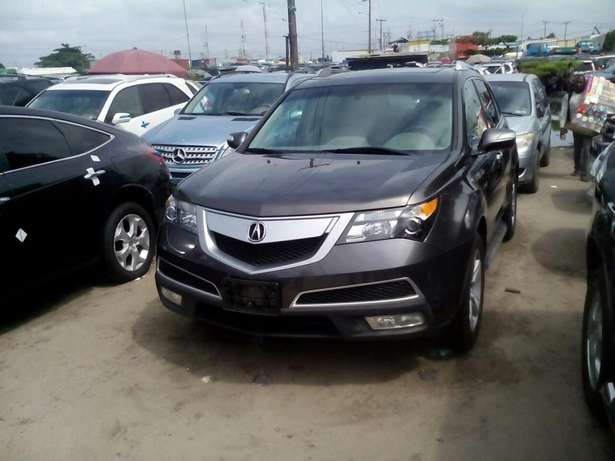 Acura MDX available in show room Apapa - image 3