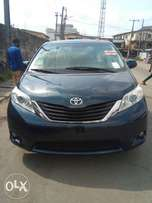 Super clean newly landed Toyota sienna 2011 model