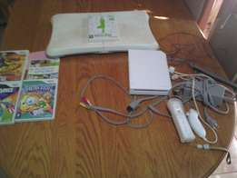 Wii console plus 5 Wii Games for sale