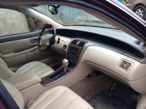 Super clean Nigeria used Toyota Avalon 2004 model. Agege - image 7