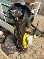 Golfbag with clubs
