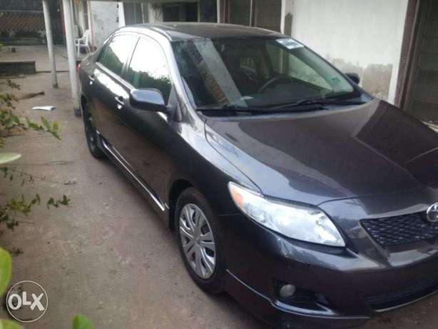 A very clean Tokunbo 2009 Toyota Corolla Sport Silver colour, Suru Lere - image 7