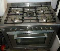 Ariston Stainless Steel Cooker with Convention