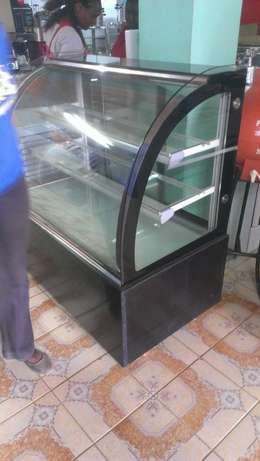 Cake chiller/cake chiller display,3level,1.2m lenght,curved glass,new City Centre - image 7