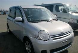 Toyota Sienta 2010 Petrol 1.5L Fully Loaded KCL Ksh.890K