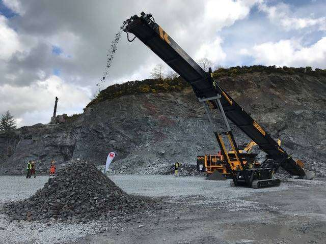 Roco T80 Tracked Stacker - 2019 - image 2