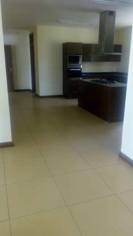 Awesome 3 bedroomed apartment on Riverside Kilimani - image 3