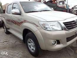 Toyota hilux 06 by Chris auto