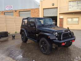 Black Jeep Wrangler 2015