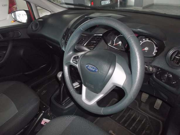 Pre Owned 2012 Ford Fiesta 1.6 Johannesburg - image 4