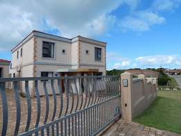 Townhouse to rent in Aston Bay