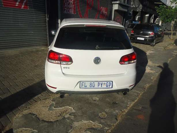 2012 VW Golf GTI DSG Available for Sale Johannesburg - image 4