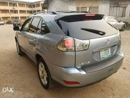Lexus Rx330 (Xtremely Clean)
