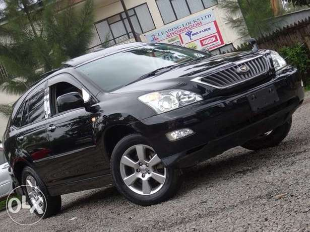 Toyota Harrier with panaromic roof 2011 model excellent condition Kilimani - image 1