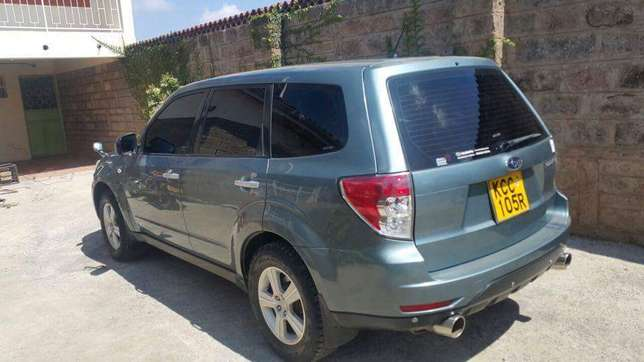 Very clean 2009 Subaru Forester on quick sell Nairobi CBD - image 5