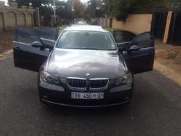 Very Clean BMW 323 E90 with Sunroof and FSH