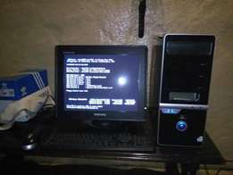 p4 computer with dvd/cd writer x2 512gig en 180 R1200neg