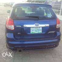 Sparking clean Toyota matrix for sale