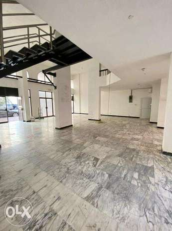 Commercial Space in Ruwi for Rent!