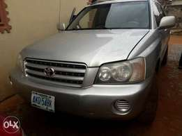 registered 2005 model Toyota Highlander 4plug