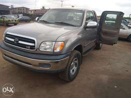 Tokunbo Toyota Tundra 2001 model with double cabin
