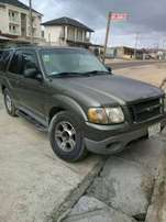Rugged Ford Explorer 2000 model